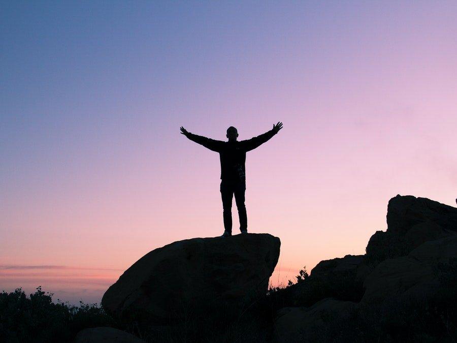 jak odzyskać pewność siebie po rozstaniu